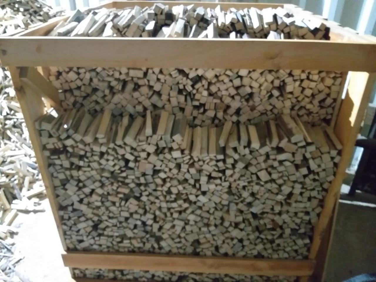 Растопка (лучина для розжига) в деревянных ящиках